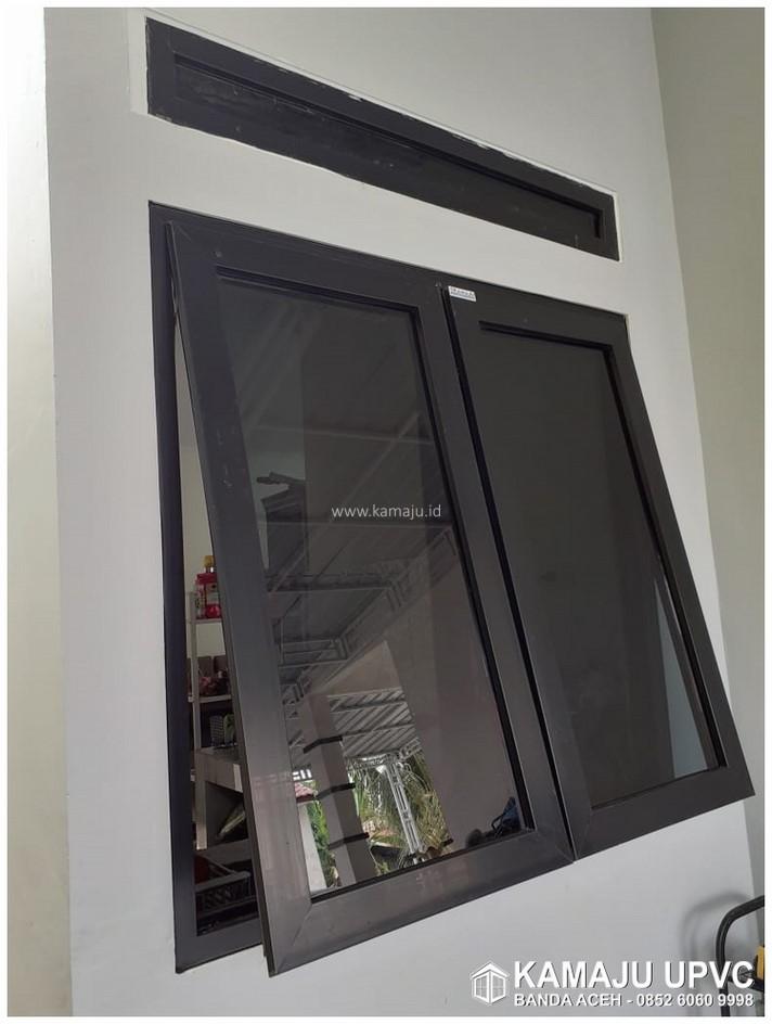 Jendela UPVC warna HItam